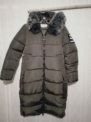 Куртка зимняя. Б/у в хорошем состоянии. Надевали один раз. Не подошёл