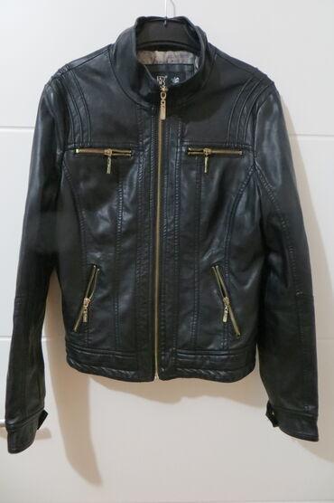 ZENSKA JAKNA velicina S jakna mozda jednom obucena, nikakve razlike