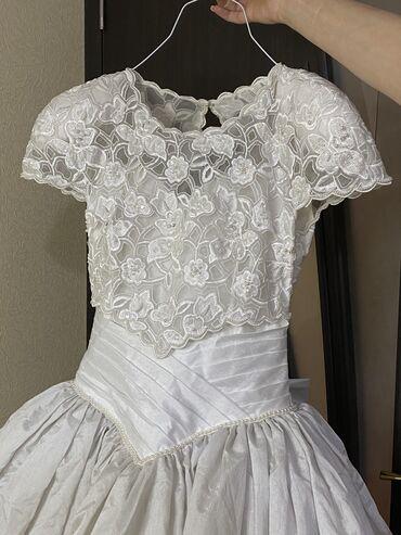 продать свадебное платье в Азербайджан: Свадебное платье со шлейфом: Loretta, Итальянское. Стоимость платье