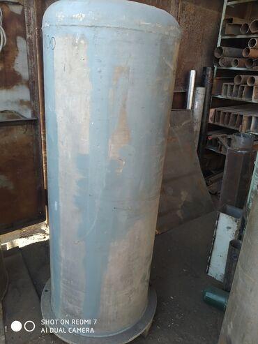 Флипчарты алюминиевая настенные - Кыргызстан: Продаю ёмкости алюминиевые, круглый на 300 литров, квадратный на 135