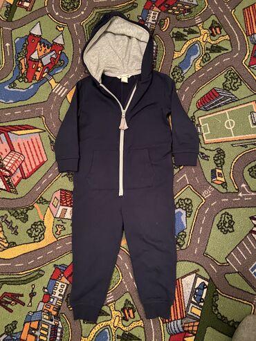 теплые платья для полных в Кыргызстан: Тёплый комбинезон H&M тонкий утеплённый флис, капюшон хб, замок