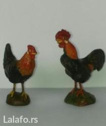 Za kolekcionare ,figura petla (7cm ) i kokoške(5cm) od pečene gline. - Novi Sad