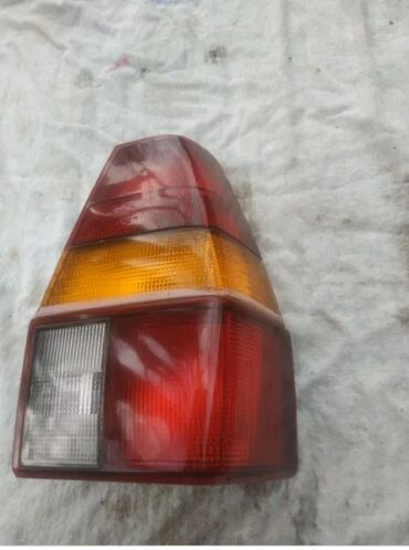 Куплю задний правый стоп фонарь от Фольксваген Пассат б2универсал
