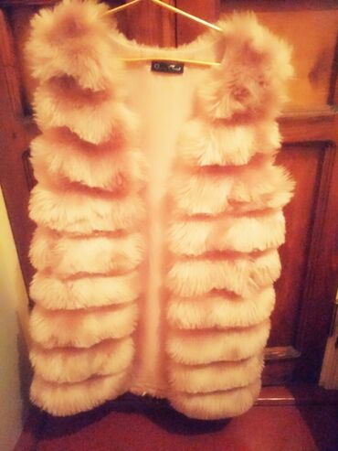 женские розовые пуловеры в Азербайджан: Gencede satilir.Turkiyeden alinibdi.Birdefe toya qiynilibdi