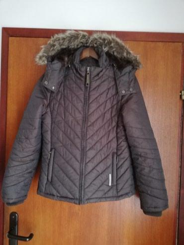 Prodajem Point Zero jaknu u S velicini. Duzina 61cm,poluobim ispod - Novi Sad