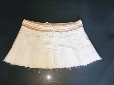 Hollister - Srbija: Original Hollister ultra kratka bela suknja. Nosena, stanje