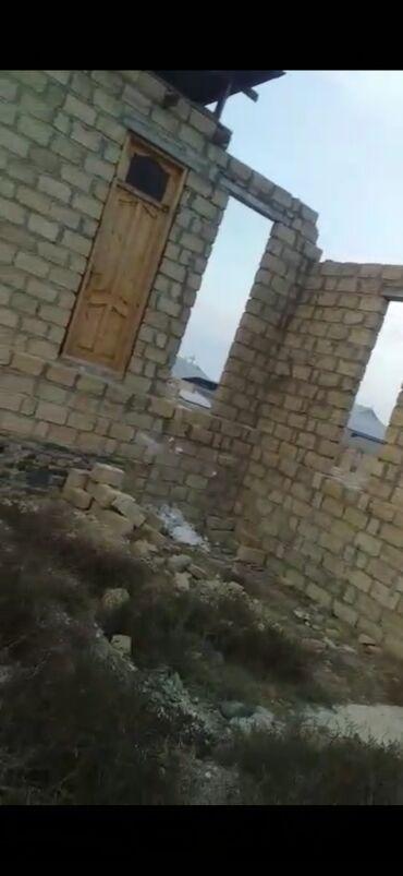 1 комнатная квартира студия в Азербайджан: 6 sot torpaq satılır 1 otaqlı ev tikilib hamam əyaqyolu tikilib ustu