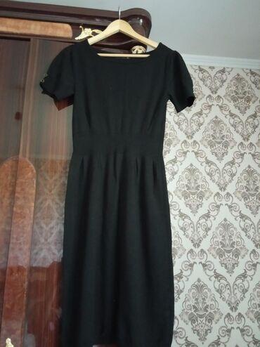 Платье трикотажв хорошем состоянии ! Размер стандарт !