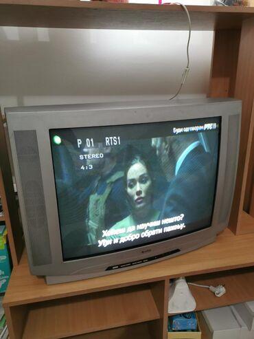 Televizor quadro ctv-7230, u dobrom stanju,daljinski je loš ali radi