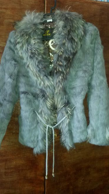 Женская одежда в Сокулук: Шуба из песца размер 44-46 очень легкий очень теплый. Хорошо подходит