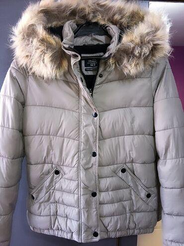 C&A jakna. Nošena je par puta, perfektno očuvana jakna, apsolutno
