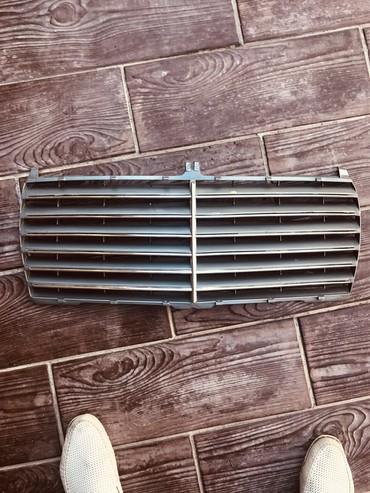 Решотка радиатора мерседес124 в Кант