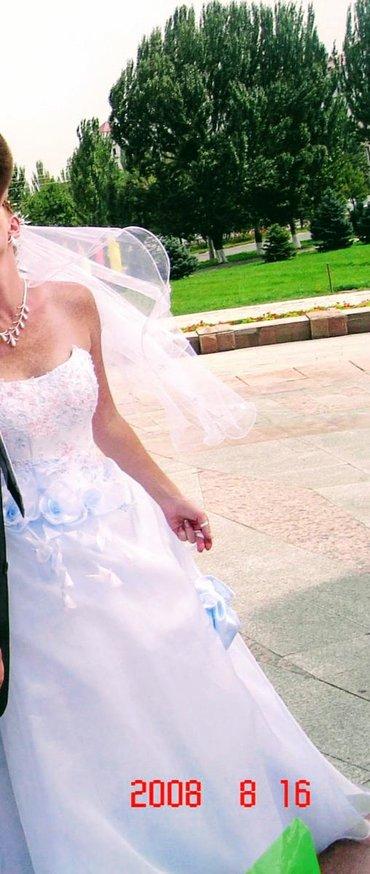 свадебное платье размер 46 48 в Кыргызстан: Свадебное платье,надето 1 раз размер 46-48,корсет