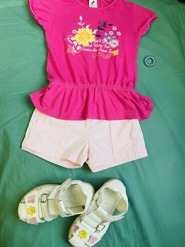 мужские шорты в Кыргызстан: Летний образ для девочки 5-6 лет. Хлопковая яркая футболка на резинке