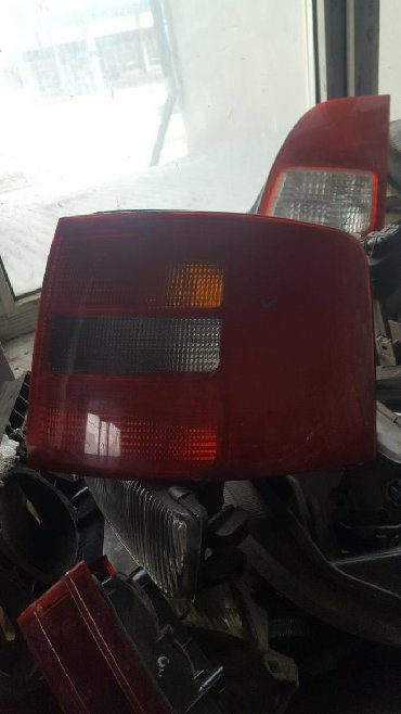 audi a6 25 mt в Кыргызстан: Audi A6 Avant правый плафон задний