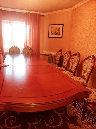 стол и стулья для гостиной в Кыргызстан: Продаю стол для гостиной  В классическом стиле  Длина 4м, 3.5м, 3м в