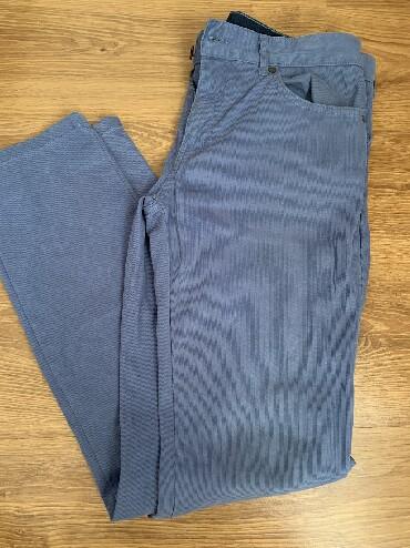 джинсы мужские 32 в Кыргызстан: Мужские джинсы, микровельвет, прямые, в отличном состоянии. Носили