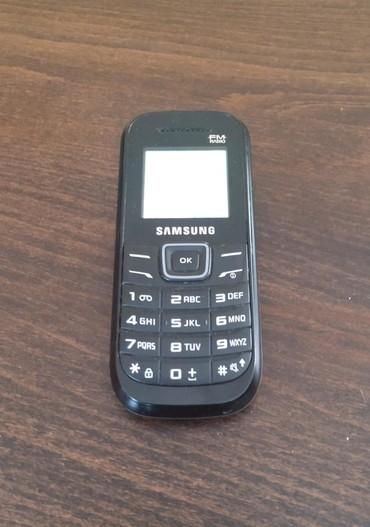 Mobilni telefoni - Novi Pazar: Samsung . ispravan dobro ocuvan.sa punjacem. baterija drzi 7 do 10