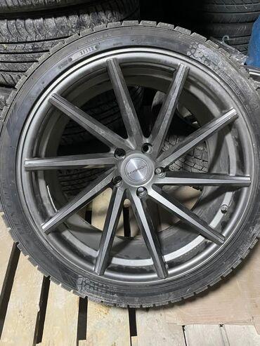 диски r19 в Кыргызстан: Продаю резину вместе с дисками зимняя Dunlop состояние очень хорошая