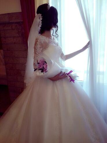 платья kg бишкек в Кыргызстан: Свадебный платья сатам 15 000 жаны