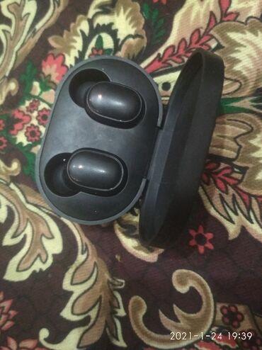 ipod touch 4g в Кыргызстан: Блютуз безпроводной наушники хорошие состояние