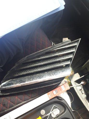 Продаю правую решетку радиатора от Nissan Primera. в Каракол