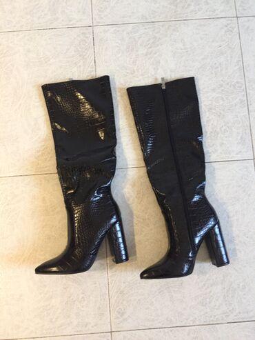 Μπότες καινούργιες νούμερο 37 μαύρες  Πωλούνται λόγω λάθους στην επιλο
