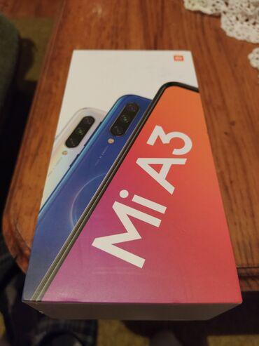 Mobilni telefoni - Gornji Milanovac: Upotrebljen Xiaomi Mi3 4 GB