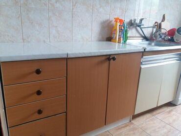 | Rumenka: Očuvana kuhinja na prodaju