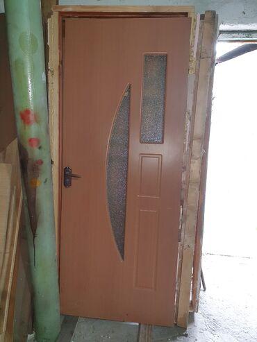 Дверь межкомнатная с коробкой, отличное состояние
