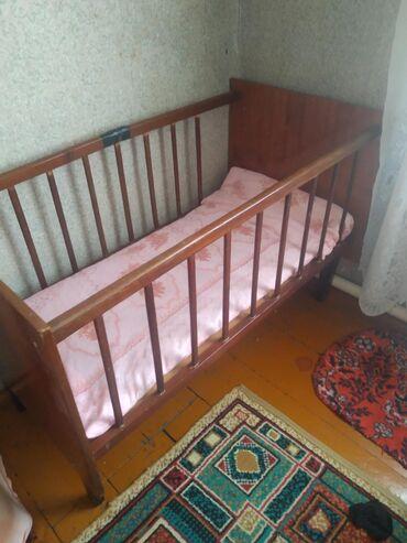 подработка в кара балте в Кыргызстан: Продаю манеж-кроватку. Карабалта