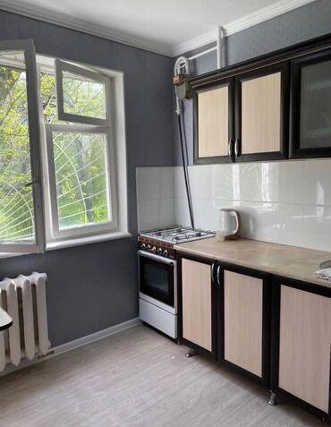 продаю 1 комнатную квартиру в бишкеке в Кыргызстан: 104 серия, 1 комната, 34 кв. м