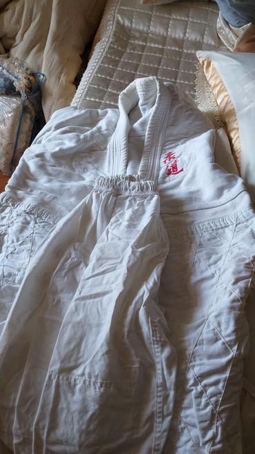karate uecuen kimono - Azərbaycan: Yeniyetme uwaq ucun kimono teze veziytetdedir . Samco 6