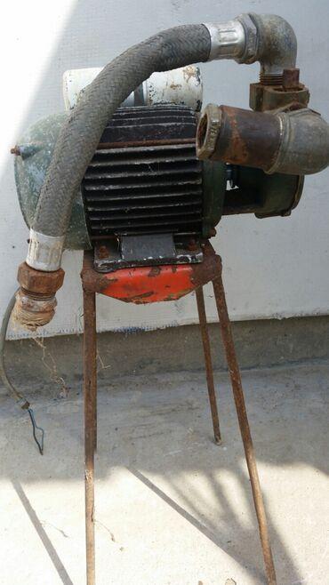 Elektromotor sa reduktorom za pretakanje vode. Potpuno ispravan. Za