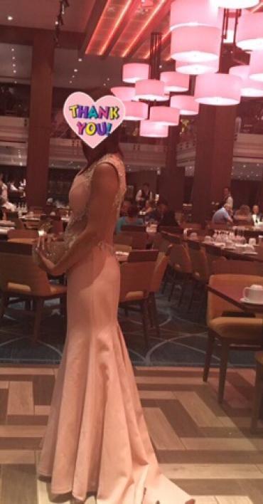 Брендовые платья   есть прокат 4 тыс размер 36 или 42 в Бишкек