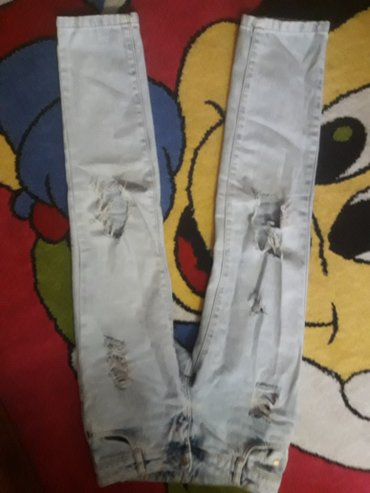 джинсы рванные  на 7-9л.   в Бишкек