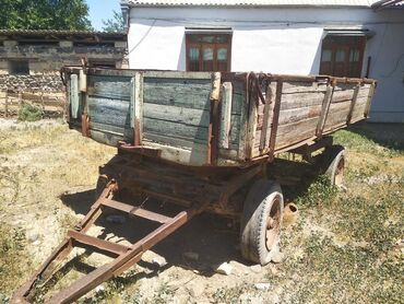 Nəqliyyat Goranboyda: Uzun muddet hereket edilmediyi ucun tekerleri boşalıb qiymetde razilas