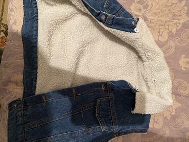 Детская джинсовая жилетка отличного качества на 3 годика