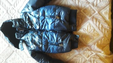 стильная детская одежда в Азербайджан: Детская куртка на 4-5 лет в хорошем состоянии