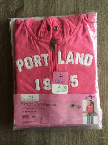 Duks-haljina - Indija: Nov ( upakovan) duks za devojcice vel. 164 Veoma kvalitetanvidi se