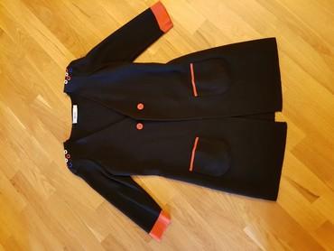 женские-черные-свитера в Азербайджан: Uzun jaketler,teze kimi.ela veziyyetde heresi 15 man