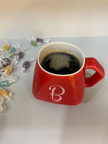 Другая посуда в Ак-Джол: Фарфоровые кружки для кофе.Цена одной кружки - 300.Цена комплекта из