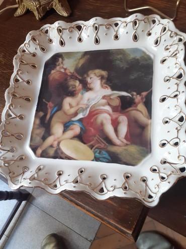 Rusticna porcelanska tacna,u porcelanskoj cipki i pozlati uradjena,ima - Belgrade