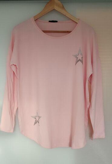 Nežno roze bluza od viskoze sa elastinom, nežna, meka i prijatna za