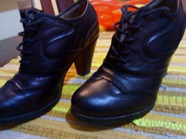 Kozne cipele.crne.vel 37.obuvene par puta.udobne - Kraljevo - slika 2