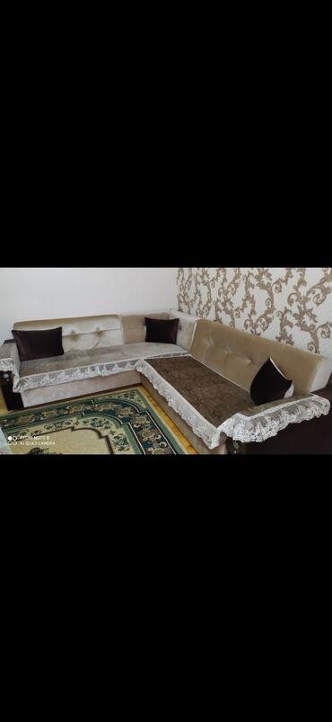 Divan əla vəziyyətdə açılır bazalidi. 450 azn. Balaxanida (jale)