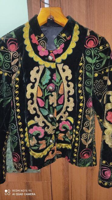 Пиджак национальный ручная вышивка 46-48р. Материал бархат темно зелён