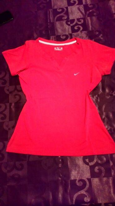 Personalni proizvodi | Cacak: Nike majica, odgovara L veličini. Obučena 2-3 puta