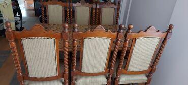 Sto i 6 stolica za dnevni boravak u odličnom stanju. Sto se rasklapa o