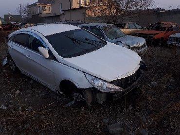 черный hyundai в Кыргызстан: Продаю hyundai sonata 2012 в аварийном состоянии